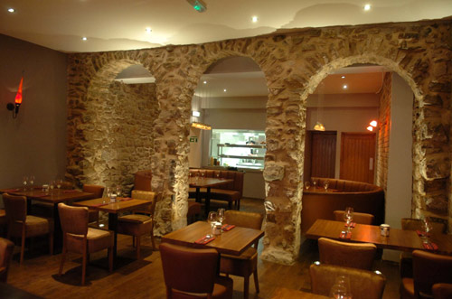 The arched wall at Wal Restaurant Caernarfon